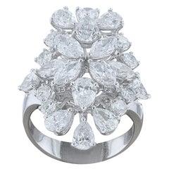 Amwaj Jewelry Pear Shape Diamond Ring in 18 Karat White Gold