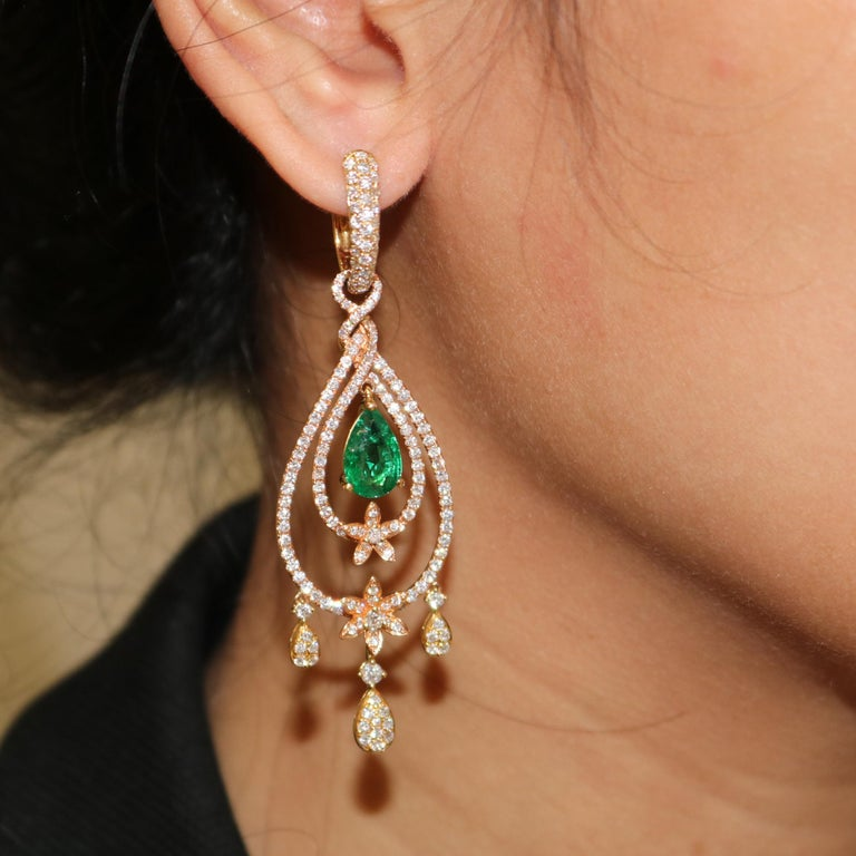 Round Cut Amwaj Jewelry Rose Gold with Emerald Drop Earrings For Sale