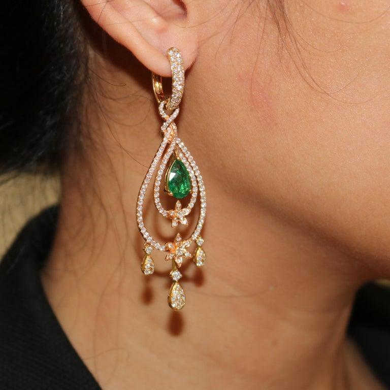 Women's Amwaj Jewelry Rose Gold with Emerald Drop Earrings For Sale
