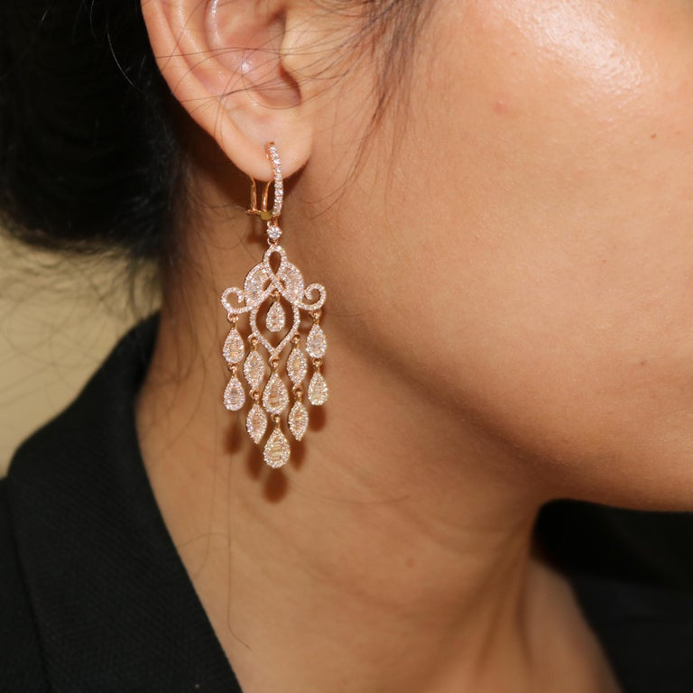Amwaj Jewelry Rose Gold with White Diamonds Earrings In New Condition For Sale In Abu Dhabi, Abu Dhabi