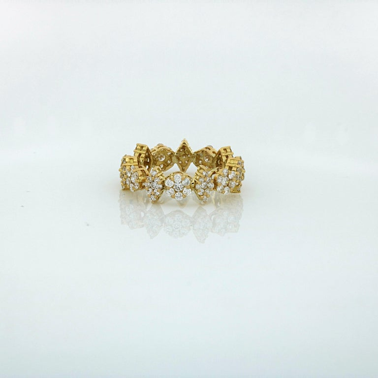 Round Cut Amwaj Yellow Gold Ring with Diamonds For Sale
