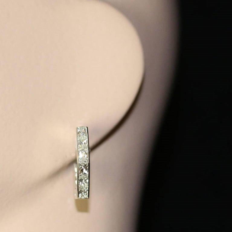 Women's Amy Burton Fine Jewelry French-Cut Diamond Geometric Hoop Earrings For Sale