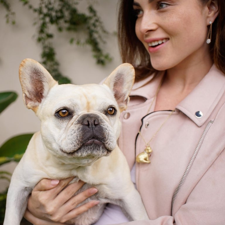 18 Karat Gold, Diamond, Ruby and Sapphire French Bulldog Pendant 'Olive' For Sale 1