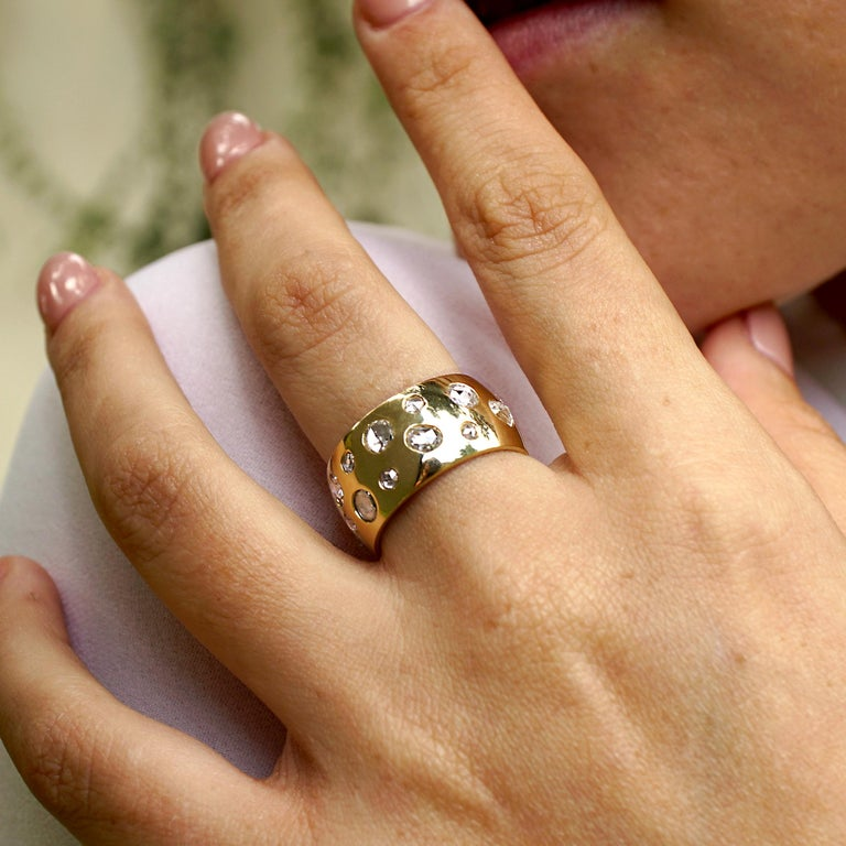 Women's Amy Y 18K-Yellow Contemporary Gold and Rose Cut Diamond Comfort Ring 'Penelope' For Sale