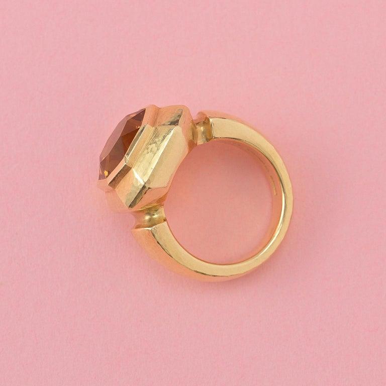 Women's or Men's 18 Carat Gold Leo de Vroomen Ring with Citrine For Sale