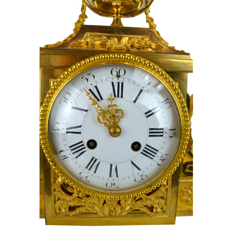 18th Century French Louis XVI White Marble and Gilt Bronze Architectural Clock In Good Condition For Sale In Vancouver, British Columbia