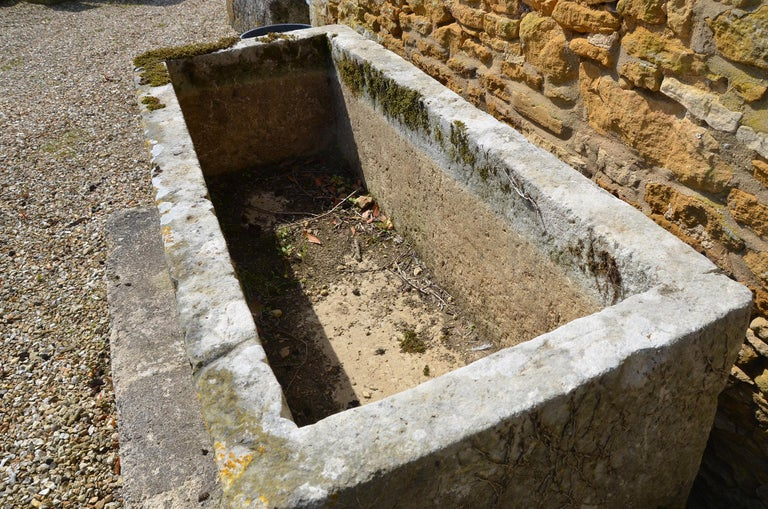 18th Century Large Stone Trough In Good Condition For Sale In Cheltenham, Gloucestershire
