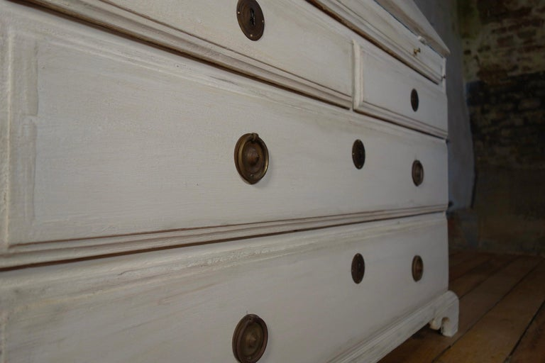 18th Century Painted White Swedish Bureaux Glazed Bookcase In Good Condition For Sale In Basingstoke, Hampshire
