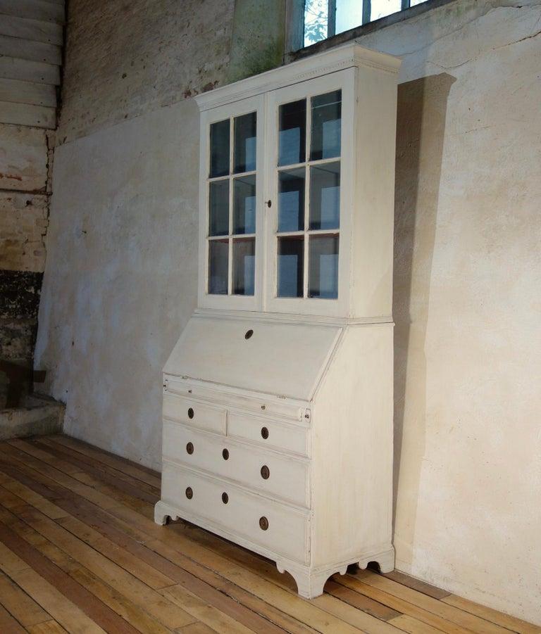 18th Century Painted White Swedish Bureaux Glazed Bookcase For Sale 5