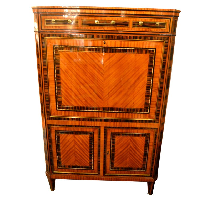 18th Century Dutch Satinwood Marquetry Secretaire a Abattant For Sale 3