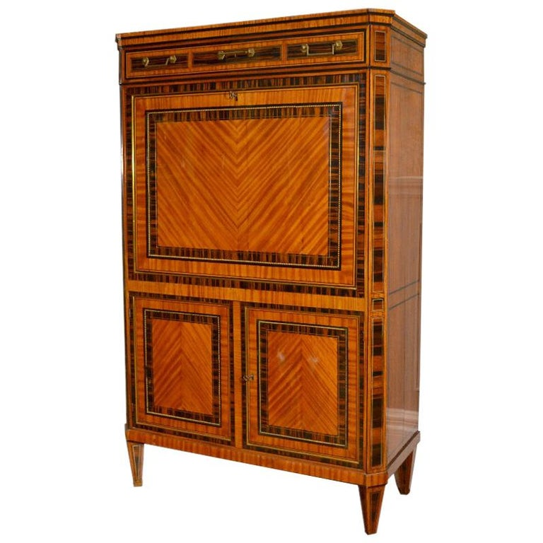 18th Century Dutch Satinwood Marquetry Secretaire a Abattant For Sale