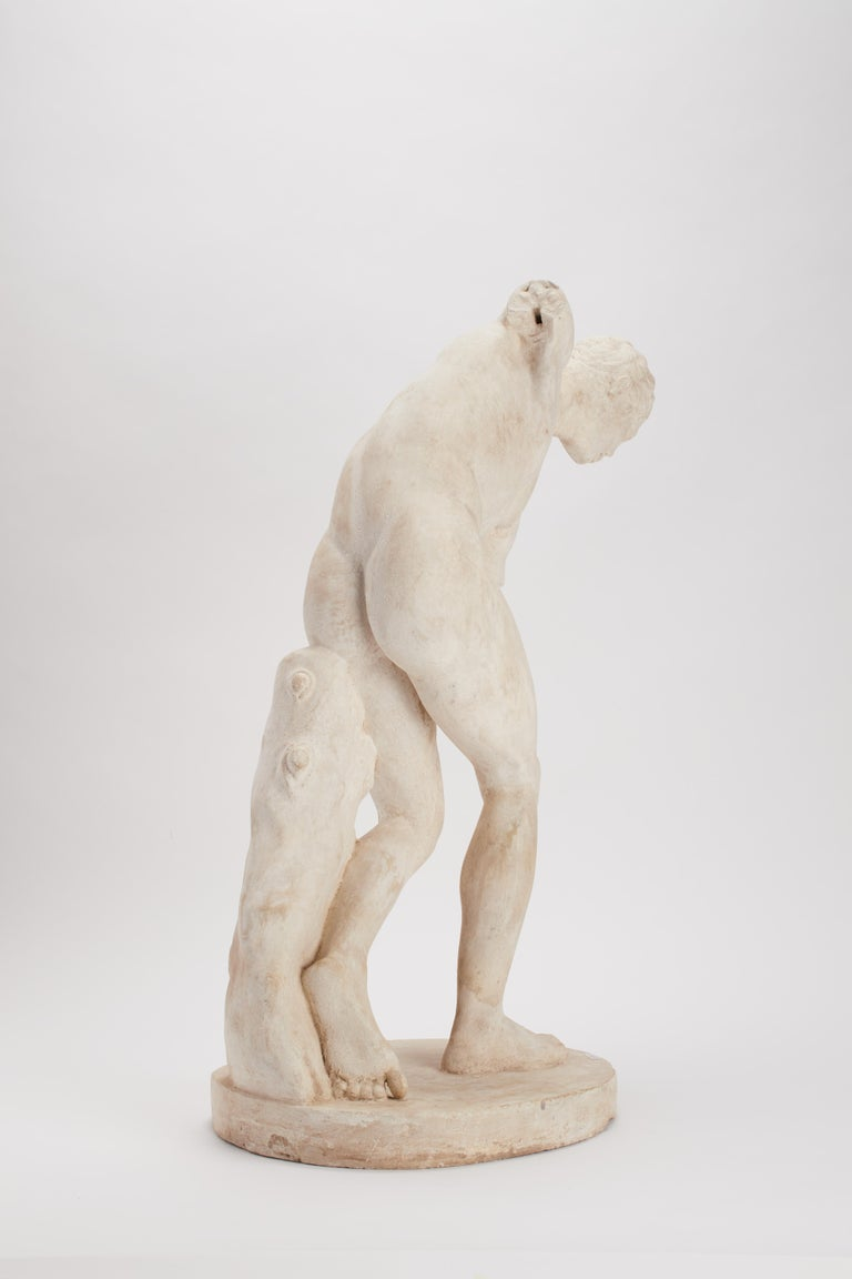 Academic Cast Depicting a Discus Thrower, Italy, 1890 In Excellent Condition For Sale In Milan, IT