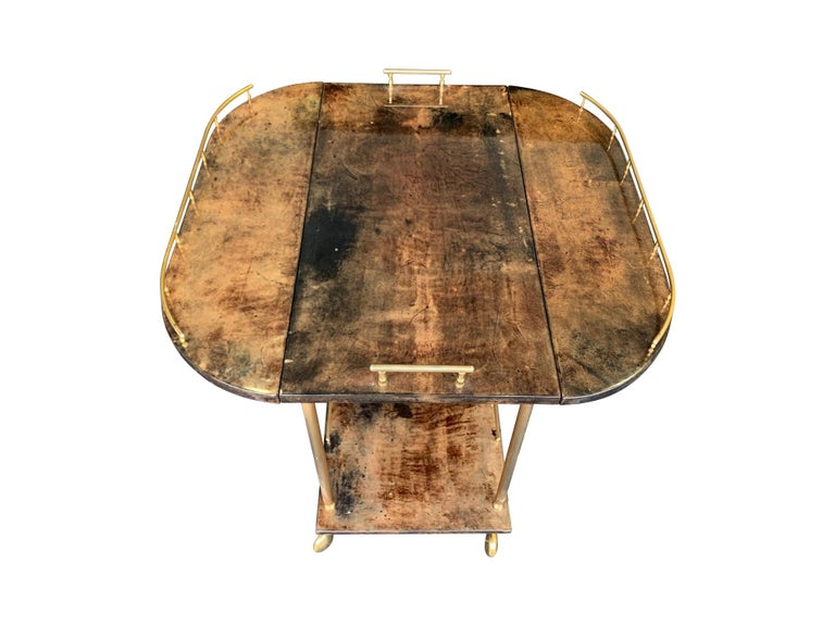 Aldo Tura 1960s Lacquered Goatskin Bar Cart with Extendable Top For Sale 3