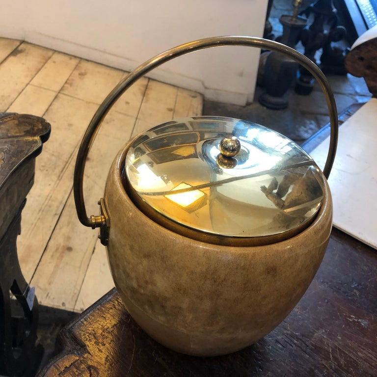 Aldo Tura Mid-Century Modern Goatskin and Brass Ice Bucket, circa 1960 For Sale 3