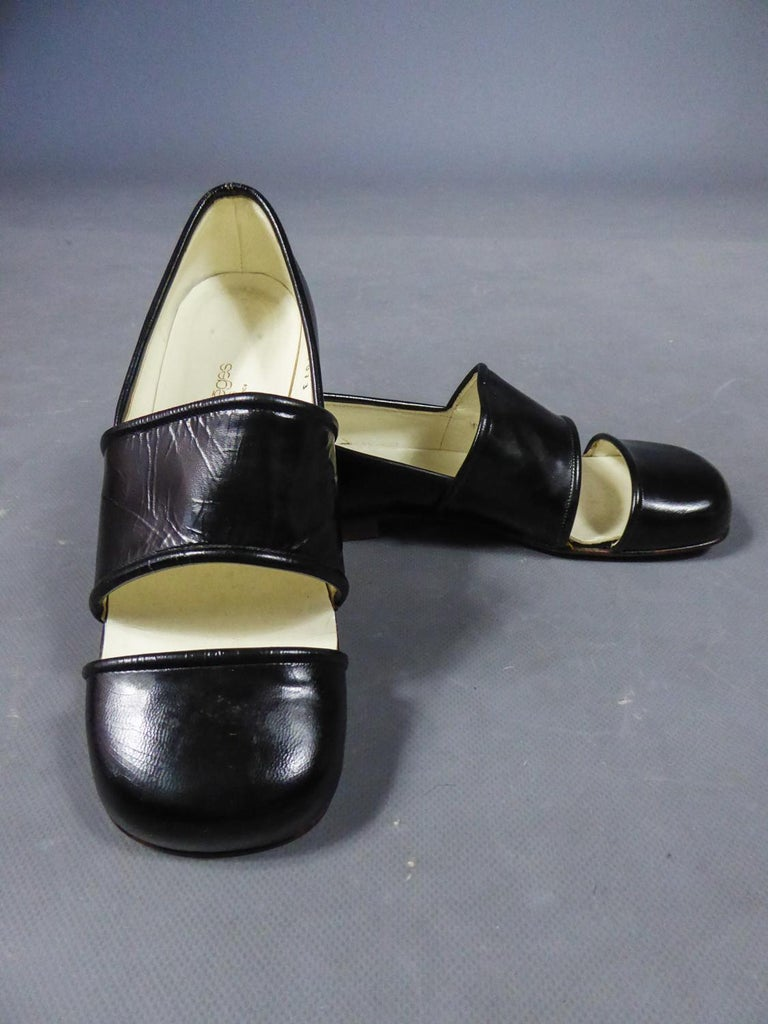 An André Courrèges Couture Pair of Shoes Circa 1967/1970 For Sale 5