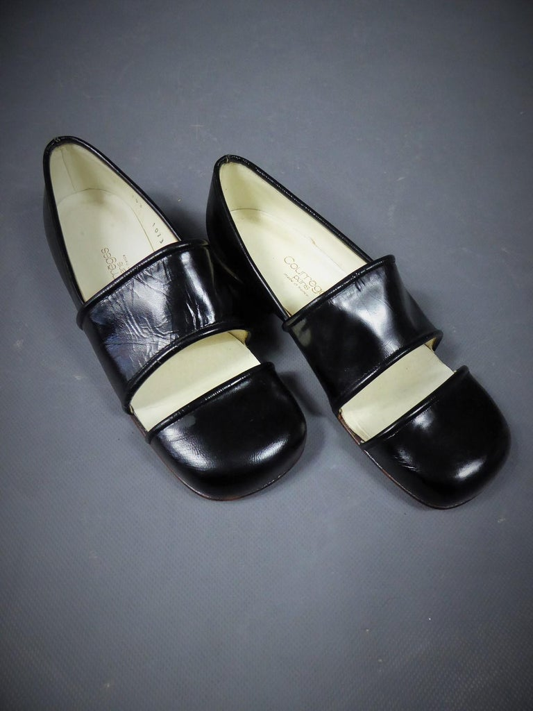 An André Courrèges Couture Pair of Shoes Circa 1967/1970 For Sale 6