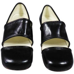 An André Courrèges Couture Pair of Shoes Circa 1967/1970