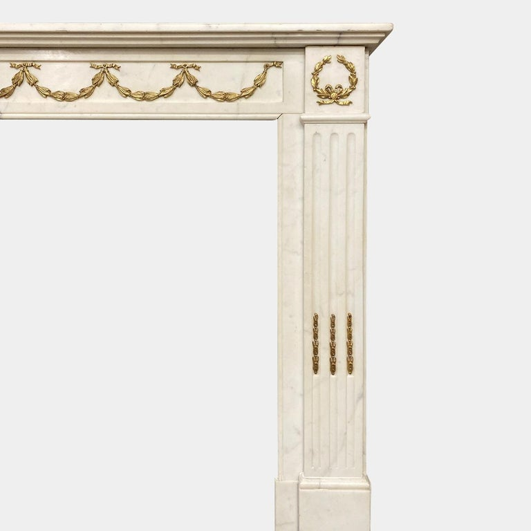 Antique Statuary White Marble French Louis XVI Style Fireplace Mantel  For Sale 2