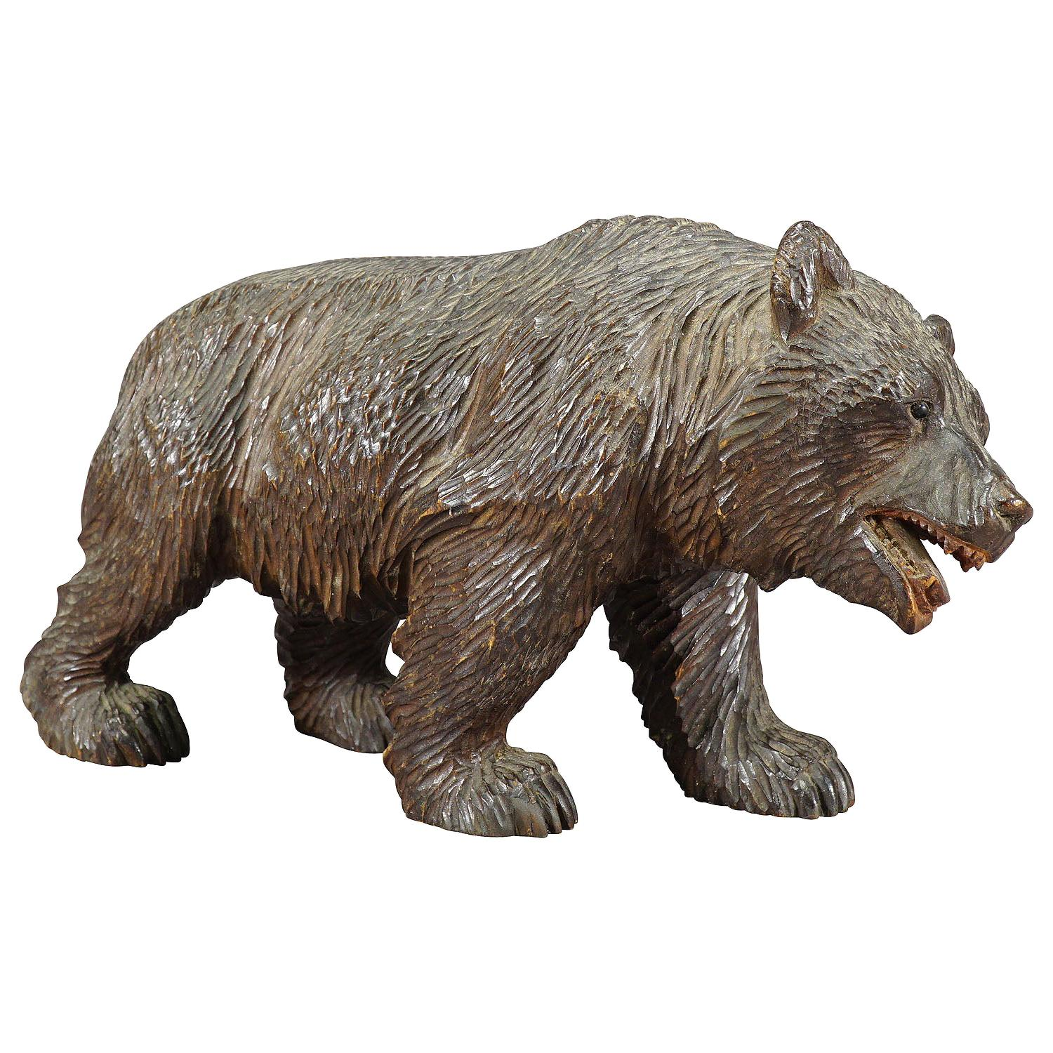 Antique Wooden Black Forest Bear Carved in Brienz, ca. 1930