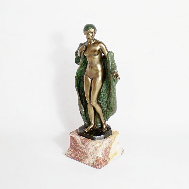 Art Deco Bronze Sculpture by Joé Descomps, French, circa 1925 In Excellent Condition For Sale In Forest Row, East Sussex