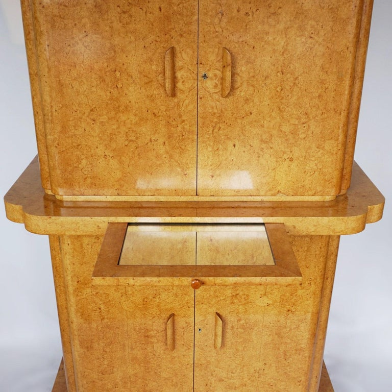 Art Deco Cocktail Cabinet by Harry & Lou Epstein English, Circa 1930 In Good Condition For Sale In Forest Row, East Sussex