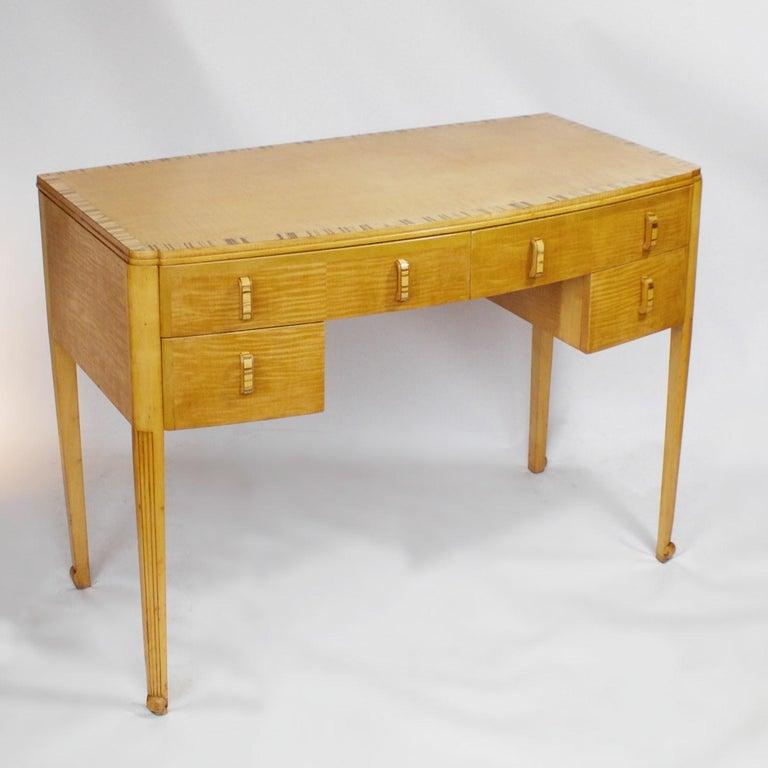 Art Deco Desk with Satin Birch and White Macassar Veneers, English, circa 1930 1