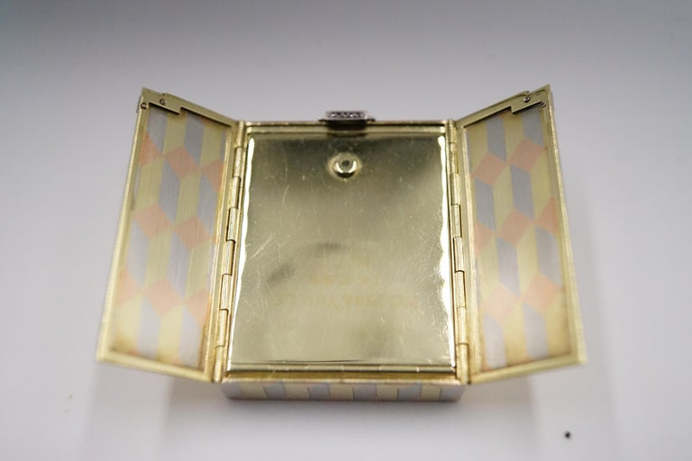 Women's or Men's Art Deco Diamond and 14 Carat Tri-Colour Gold Vanity Case by Cartier For Sale