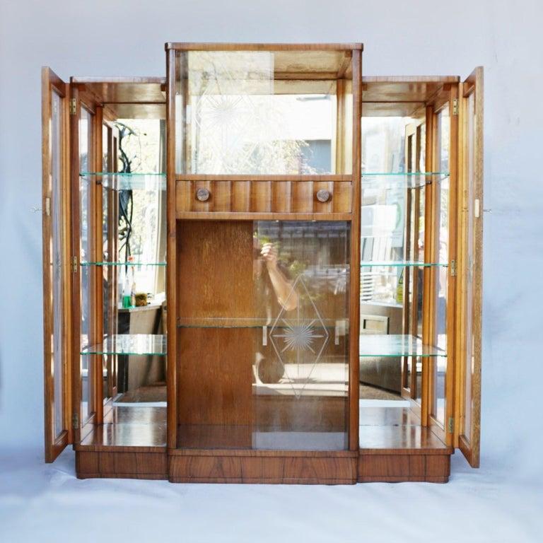 Art Deco Display Cabinet English, Circa 1935 For Sale 5
