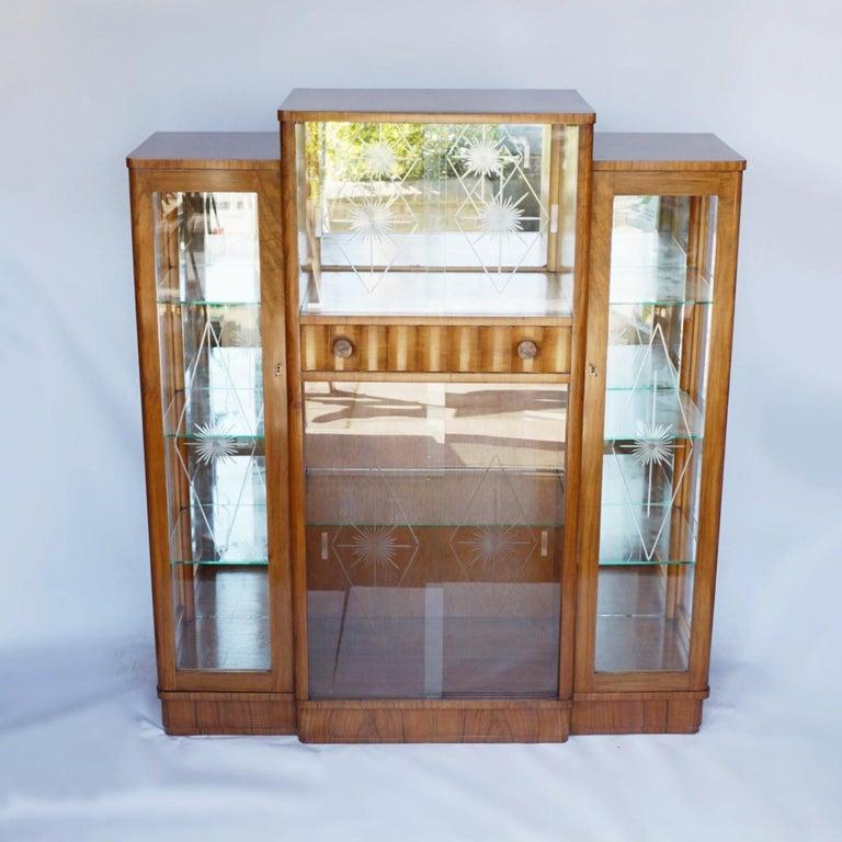 Art Deco Display Cabinet English, Circa 1935 For Sale 6