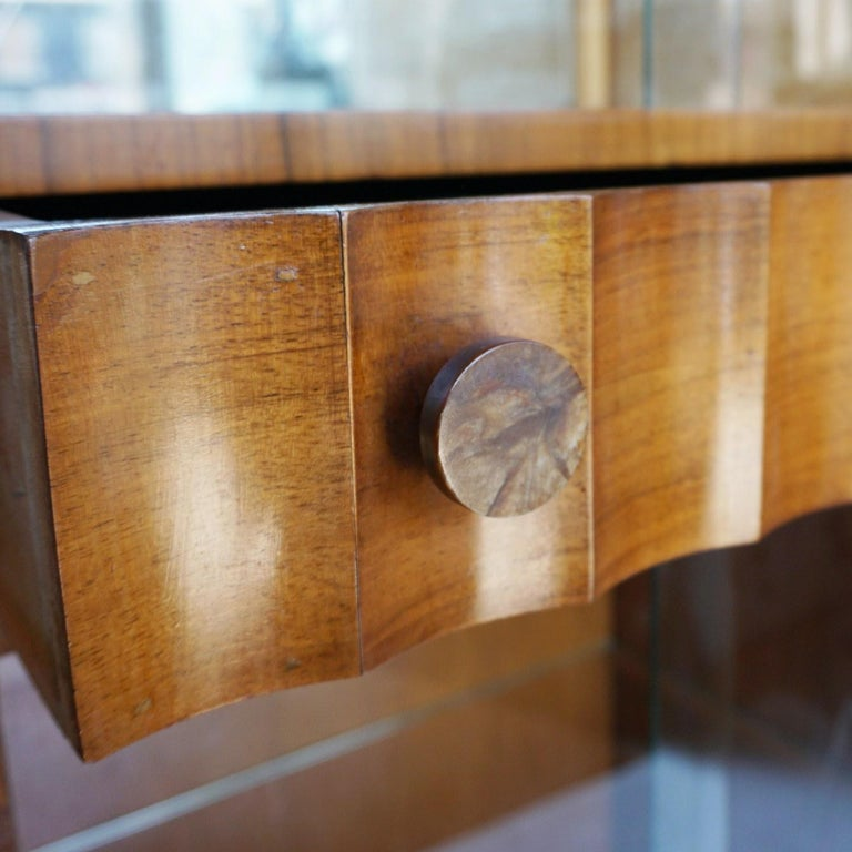 Art Deco Display Cabinet English, Circa 1935 In Good Condition For Sale In Forest Row, East Sussex
