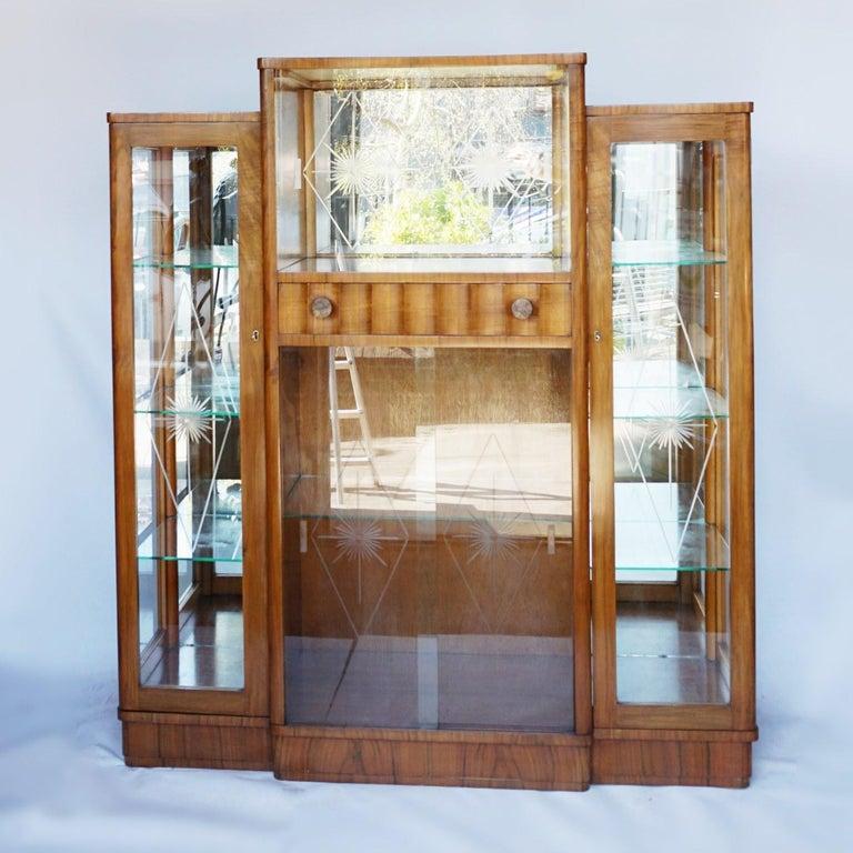 Art Deco Display Cabinet English, Circa 1935 For Sale 4