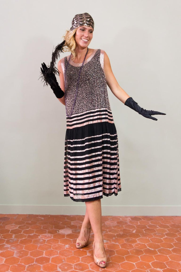An Art Deco Flapper Dress for Ball Paris Circa 1927 In Excellent Condition For Sale In Toulon, FR