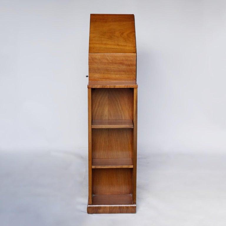Art Deco Octagonal Display Cabinet Burr Walnut veneered. English, Circa 1935 For Sale 6
