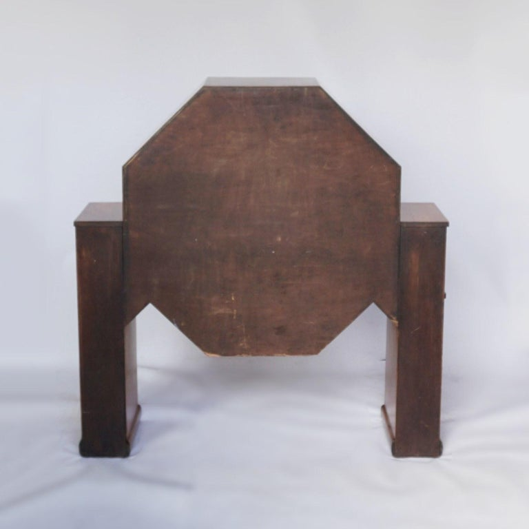 Art Deco Octagonal Display Cabinet Burr Walnut veneered. English, Circa 1935 For Sale 7