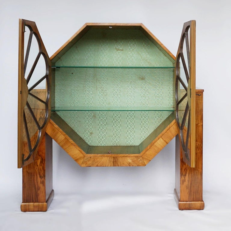Art Deco Octagonal Display Cabinet Burr Walnut veneered. English, Circa 1935 For Sale 1