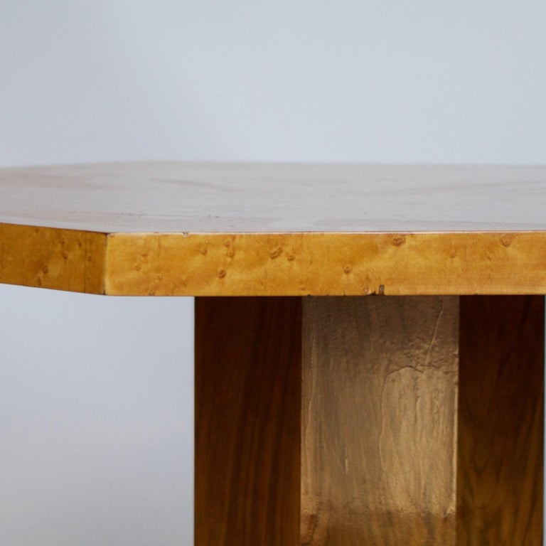 Art Deco Side Table with Birdseye Maple and Burr Walnut Veneers In Good Condition For Sale In Forest Row, East Sussex