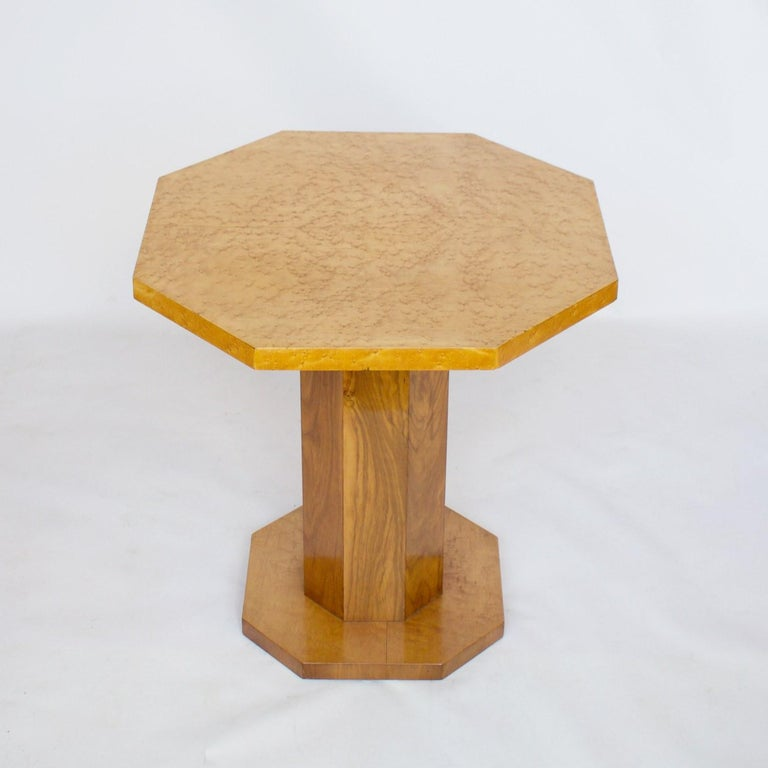 Art Deco Side Table with Birdseye Maple and Burr Walnut Veneers For Sale 2