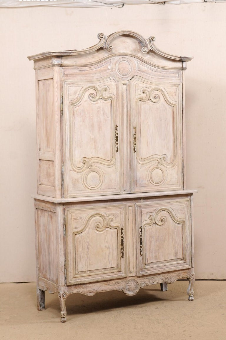 Early 19th C. French Buffet à Deux-Corps w/Scrolled Carvings & Pediment Top In Good Condition For Sale In Atlanta, GA