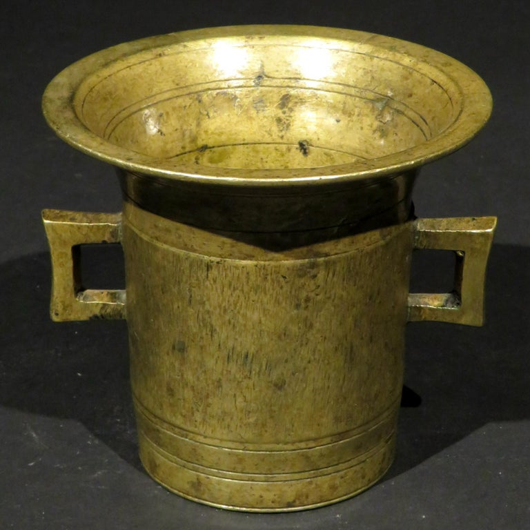 European Early 19th Century Brass Apothecary Mortar & Pestle, Continental Circa 1820 For Sale