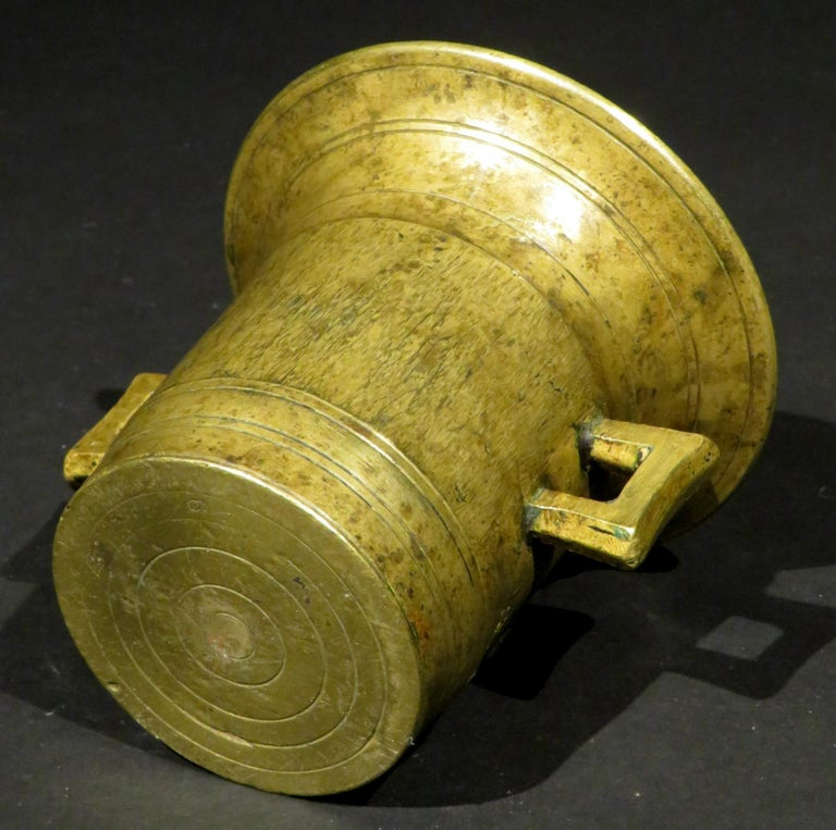 Early 19th Century Brass Apothecary Mortar & Pestle, Continental Circa 1820 For Sale 3