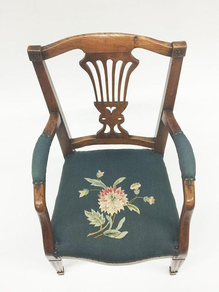 Early 19th Century Dutch Oak Children's Chair For Sale 3