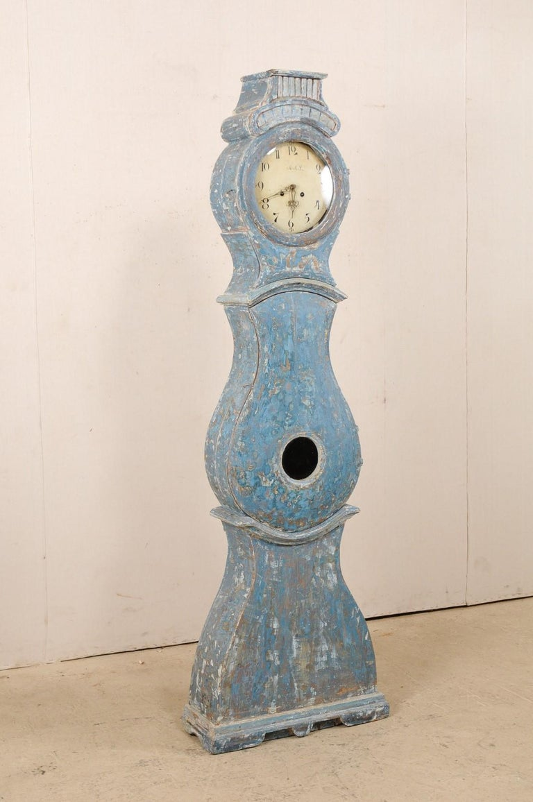 Early 19th Century Swedish Grandfather Clock with Original Blue Color In Good Condition For Sale In Atlanta, GA