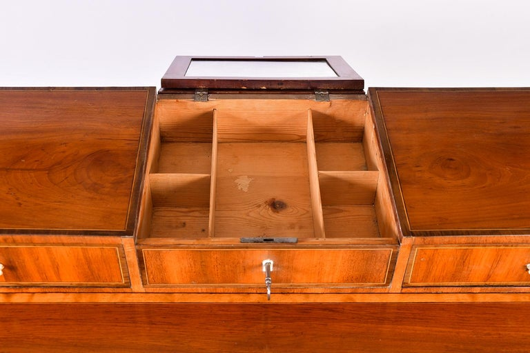 Early 19th Century Swedish Mahogany Dressing Table For Sale 4