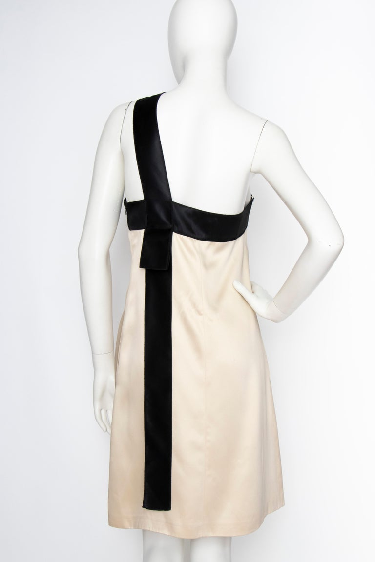 Women's or Men's An Early 2000s Vintage D&G by Dolce & Gabbana Ivory Satin Cocktail Dress For Sale