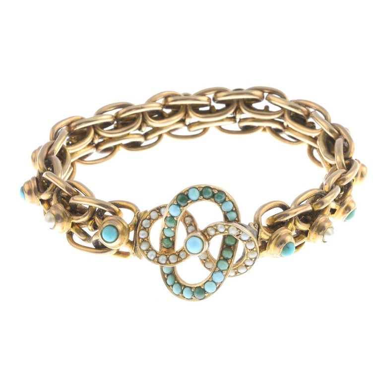Victorian Early 20th Century 9 Carat Gold Turquoise and Split Pearl Bracelet For Sale