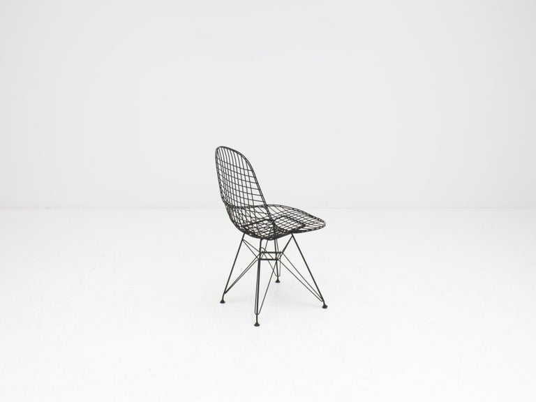 Mid-Century Modern Early Charles and Ray Eames DKR Chair, Eiffel base