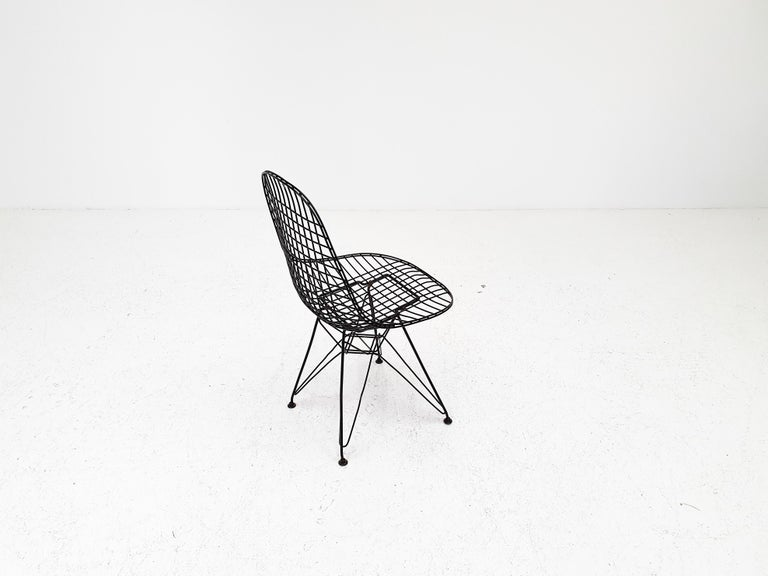 American Early Charles and Ray Eames DKR Chair, Eiffel base