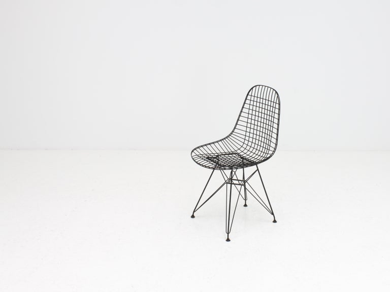 Early Charles and Ray Eames DKR Chair, Eiffel base 1