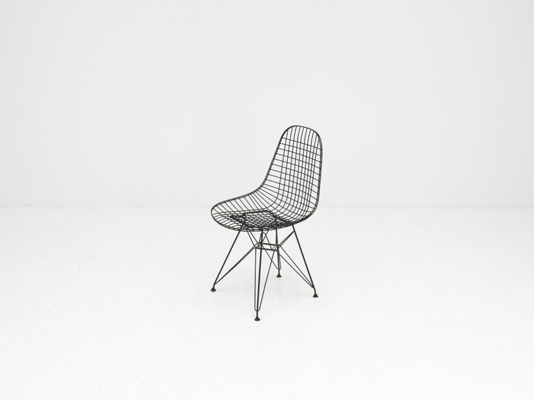 Early Charles and Ray Eames DKR Chair, Eiffel base 2