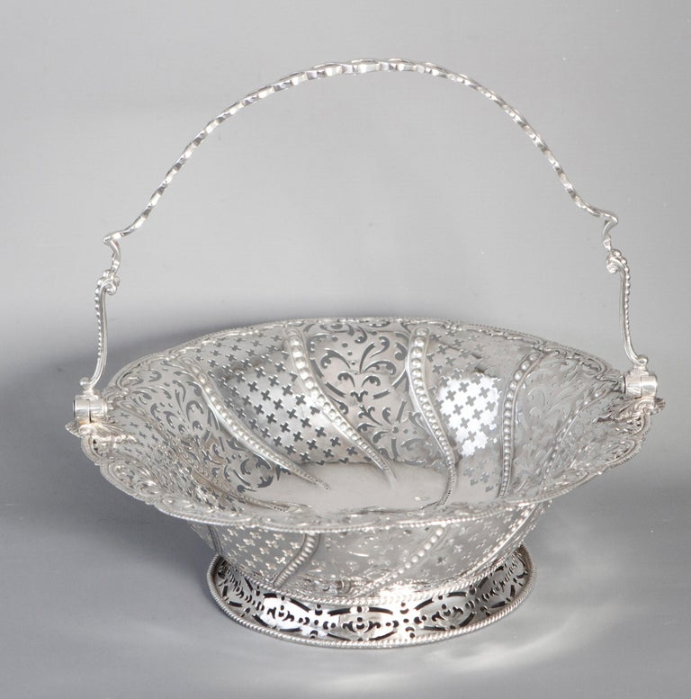Early Georgian Silver Basket, London 1761 by William Plummer For Sale 6